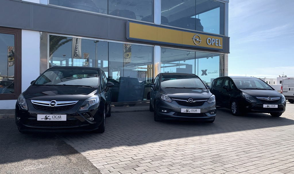 Varias unidades de Opel Zafira Tourer Selective 2.0d 130cv Mt6 en Tenerife