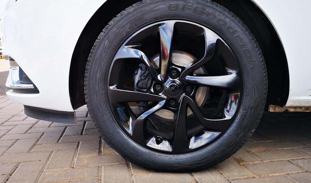 Última unidad de Opel Corsa 5p Color Edition 1.4 90Cv Mt5 en Fuerteventura