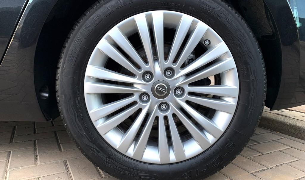 Varias unidades de Opel Zafira Tourer Selective 2.0d 130cv Mt6 en Fuerteventura