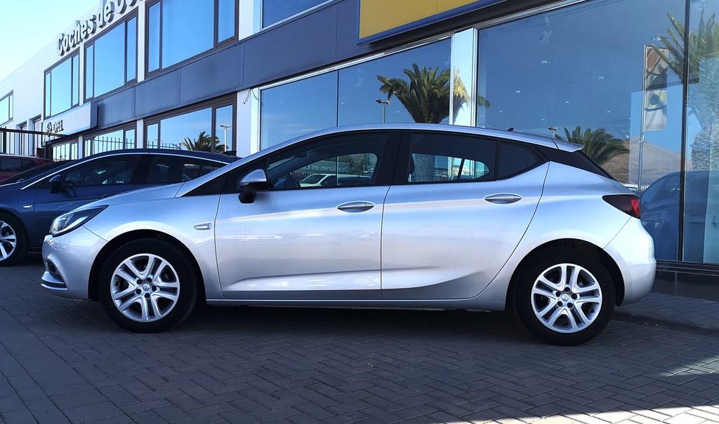 Varias unidades de Opel Astra 5p Dynam 1.4t 125cv S/S en Gran Canaria