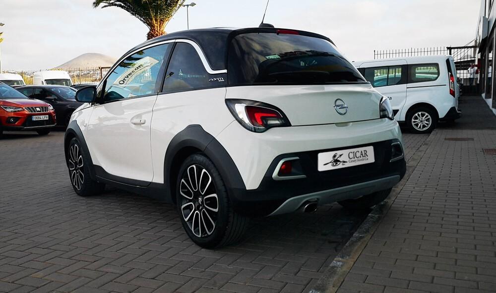 Varias unidades de Opel Adam 3p Rocks 1.4 Xel Start & Stop 87Cv Mt5 en Fuerteventura