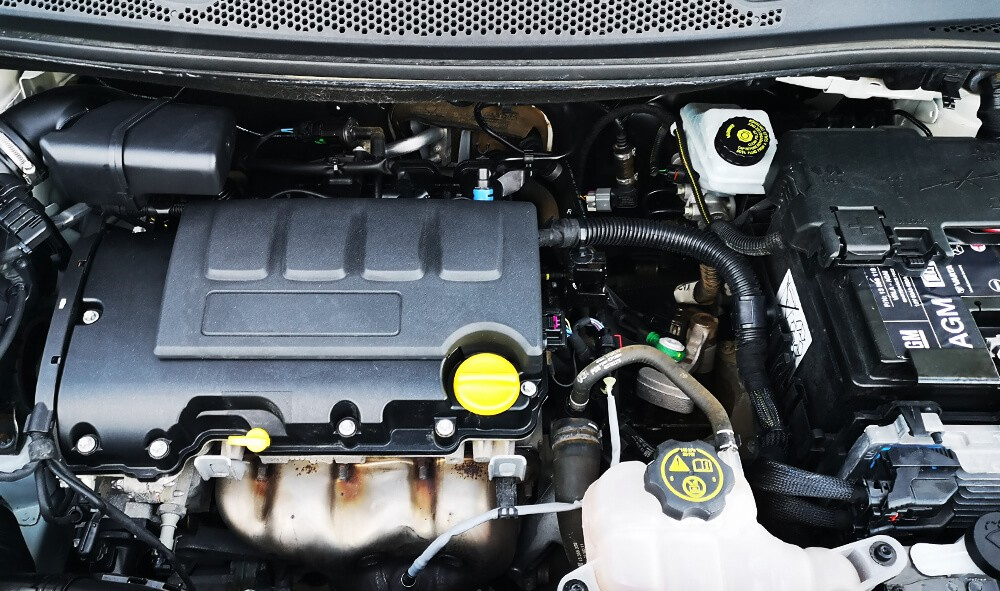 Varias unidades de Opel Adam 3p Rocks 1.4 Xel Start & Stop 87Cv Mt5 en Gran Canaria