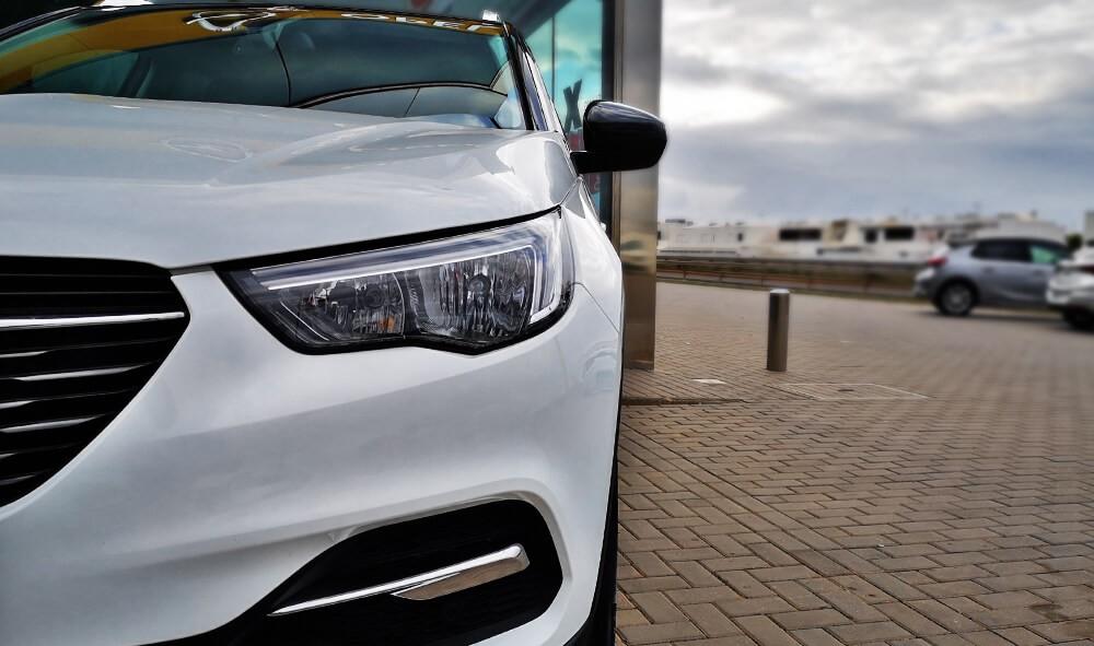 Última unidad de Opel Grandland X 5p Selective 1,2 Turbo S/S 130 Cv en La Palma