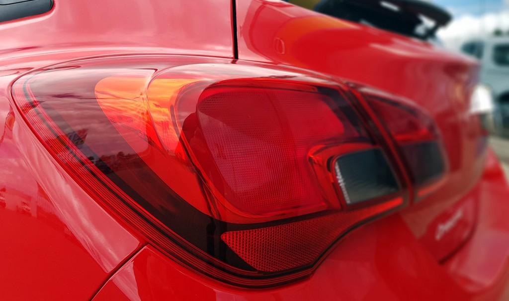 Varias unidades de Opel Corsa 3p Color Edition 1.4 90Cv Mt5 en Fuerteventura incorporado el 03/07/2020