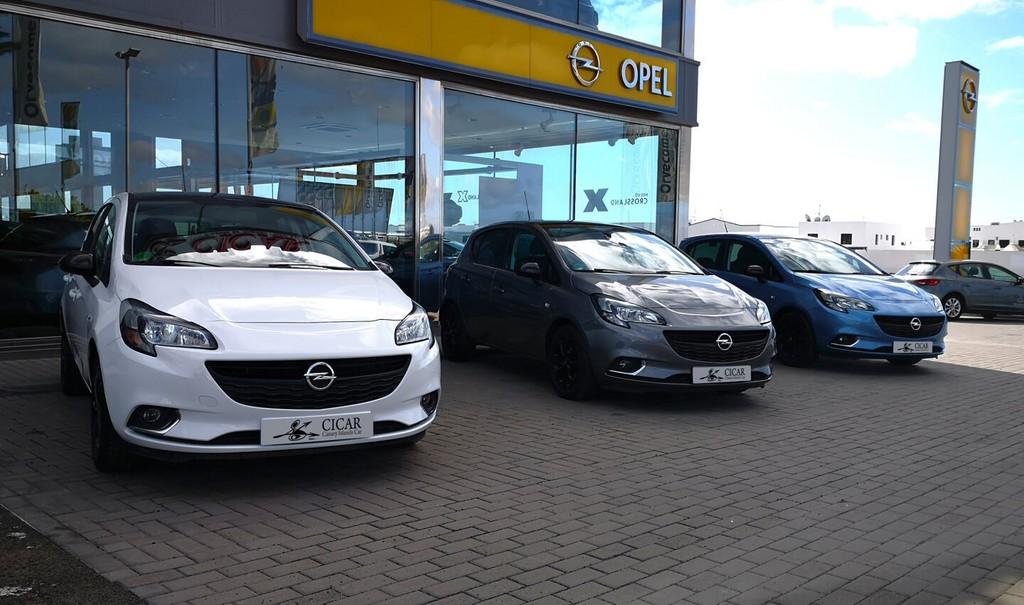 Última unidad de Opel Corsa 5p Color Edition 1.4 90 cv en La Palma