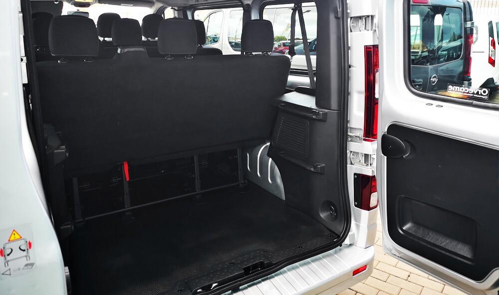 Varias unidades de Opel Vivaro Combi 1.6 Cdti  ss 125cv M6 en Fuerteventura incorporado el 20/06/2020