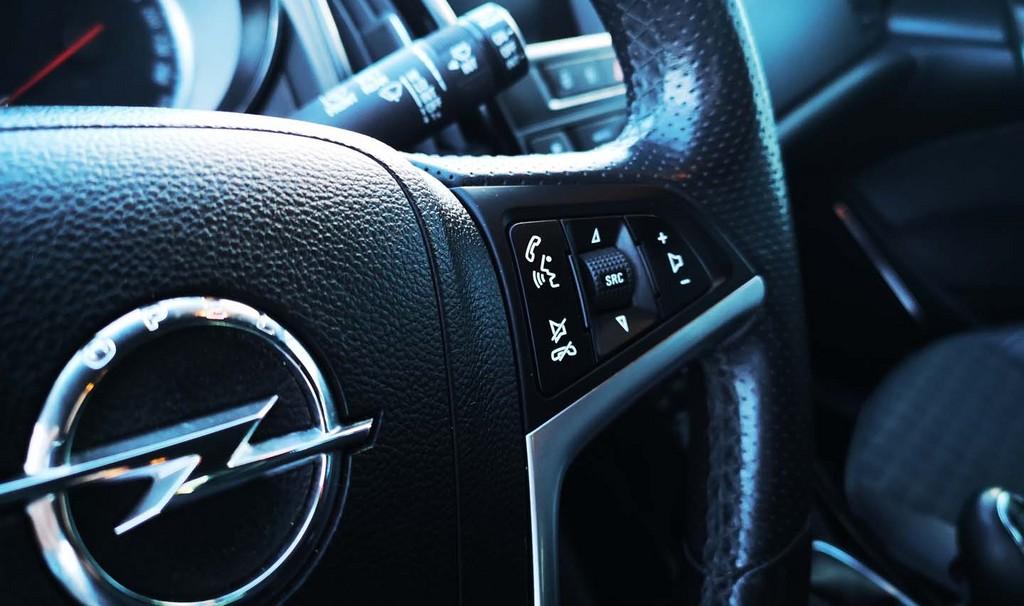 Última unidad de Opel Astra Gtc Sportive 1,4 Turbo 140cv S/S en La Gomera