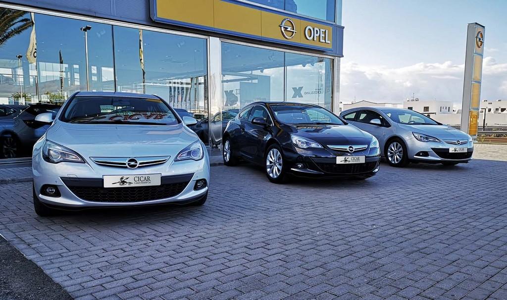 Última unidad de Opel Astra Gtc Sportive 1,4 Turbo 140cv S/S en La Palma
