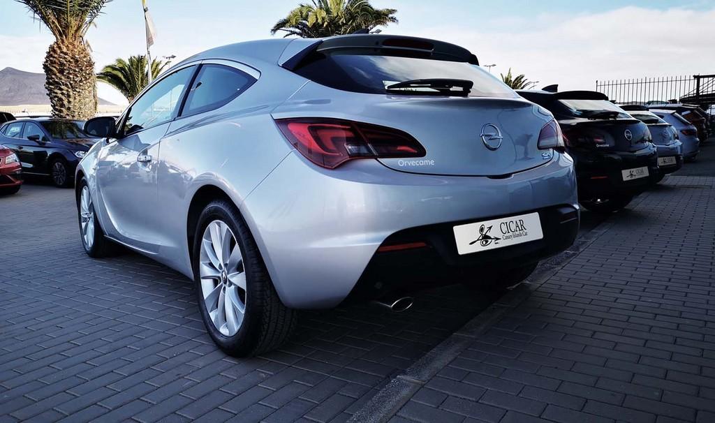 Última unidad de Opel Astra Gtc Sportive 1,4 Turbo 140cv S/S en Tenerife