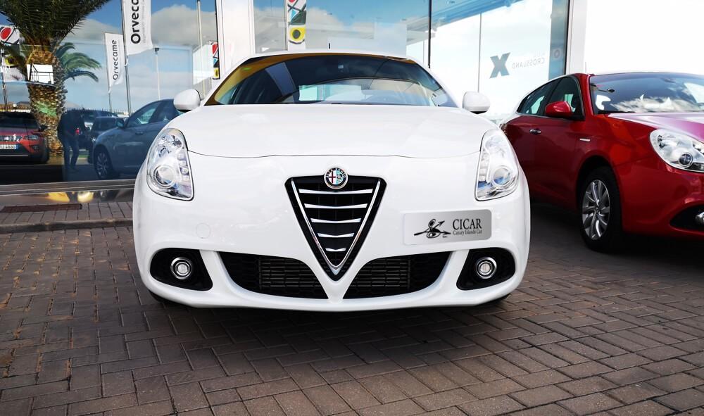 Última unidad de Alfa Romeo Alfa Giulietta 1.6 120cv Disti en Tenerife