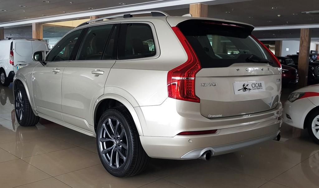 Última unidad de Volvo Xc90 T5 awd Momentum Aut en Lanzarote