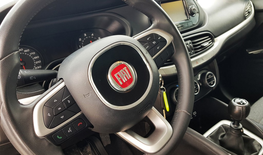 Varias unidades de Fiat Tipo Sedan 1.4 95 cv Lounge en Lanzarote