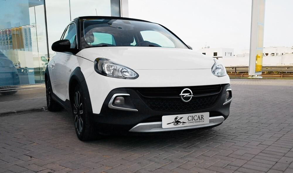 Última unidad de Opel Adam 3p Rocks 1,4 Xel Start&Stop 87 cv en La Gomera