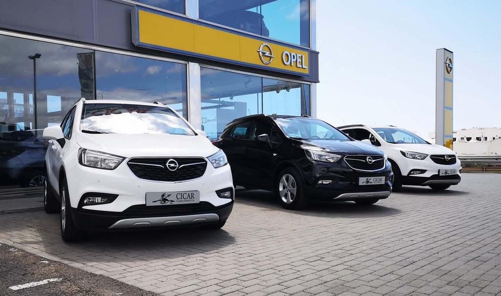 Varias unidades de Opel Mokka X Selective 1.4 4x2 s/S 140cv en El Hierro