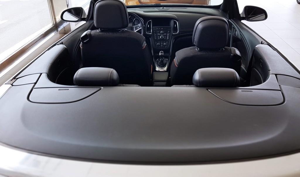 Última unidad de Opel Cabrio Excellence 1.4 T 140cv S/S en Lanzarote incorporado el 25/03/2021